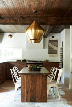 Vintage Wood Bowls from: Garden Style Living / Pictured from: HGTV's Restored by the Fords / Design: Leanne Ford Interiors / Photo: Alexandra Ribar