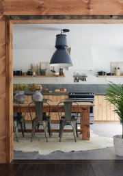 Assorted accessories: Garden Style Living / Design Leanne Ford / Photo: Alexandra Ribar